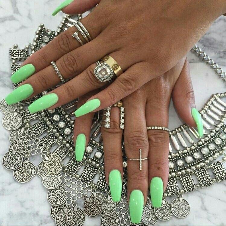 uñas largas neon - uñas de gel - diseños de uñas decoradas verano
