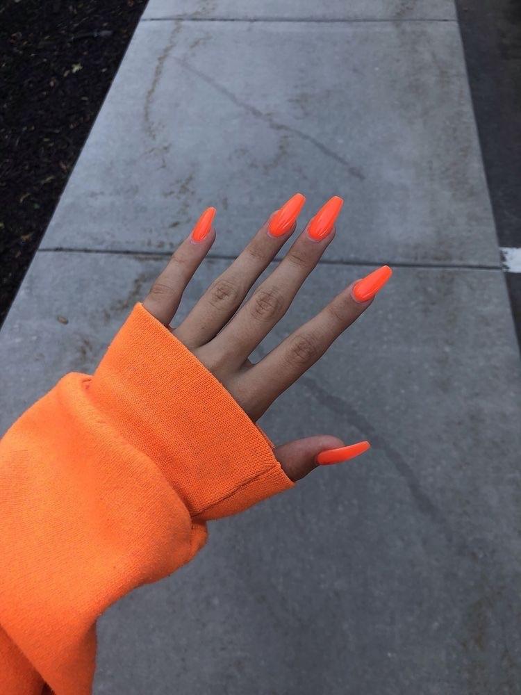 uñas neon naranja verano - diseños de uñas decoradas