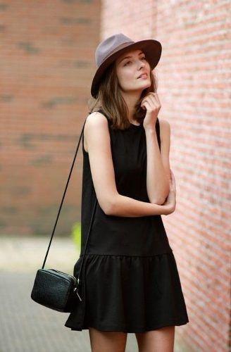 Vestido negro corto para verano cómodo