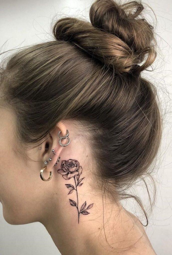 Tatuajes de flores para mujeres rosa