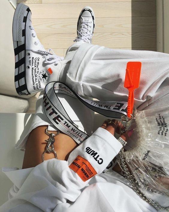 Outfits con converse de plástico transparente