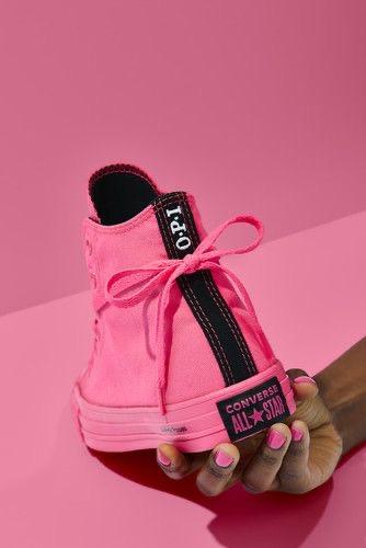 Outfits con converse neon rosas