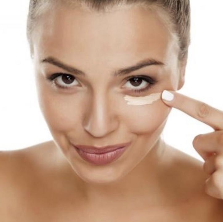 Cómo eliminar las ojeras y bolsas debajo de los ojos - remedios caseros
