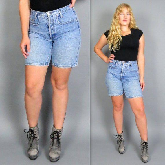 Outfits pantalones cortos : outfit denim short midi, pantalones cortos a la rodilla