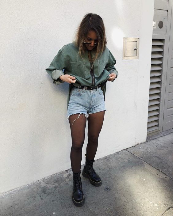 Look botas militares con outfit denim jeans y vaqueros otoño