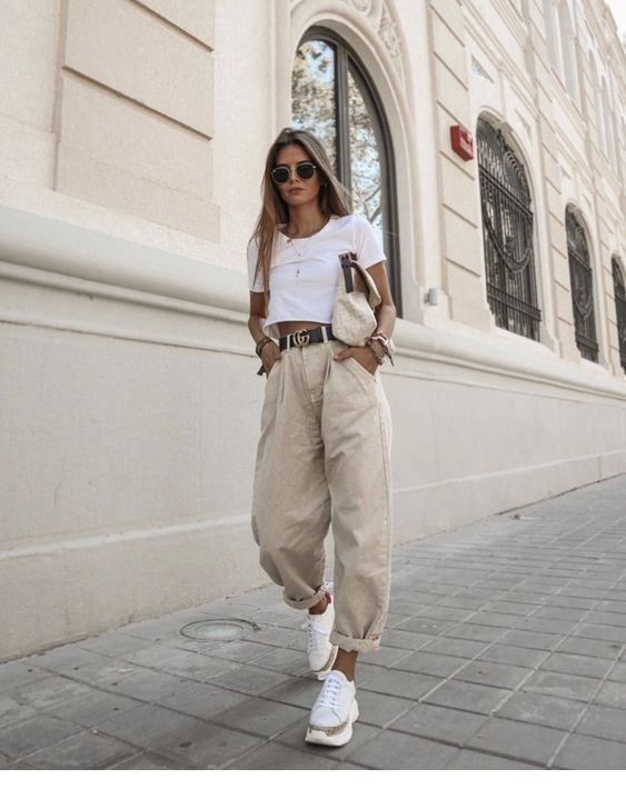 Slouchy jeans outfits chicSlouchy jeans outfits chic - Slouchy pantalones kaki