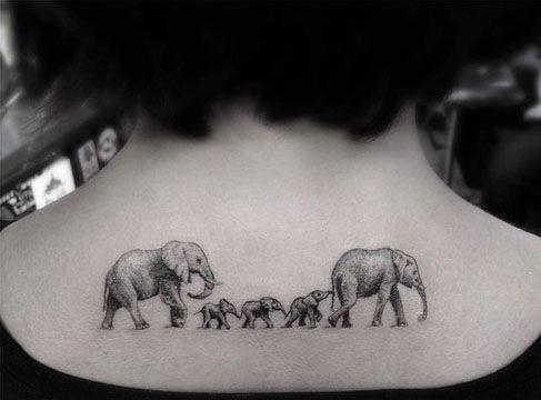 tatuales familiares con protección, tatuaje de familia, tatuaje de elefantes